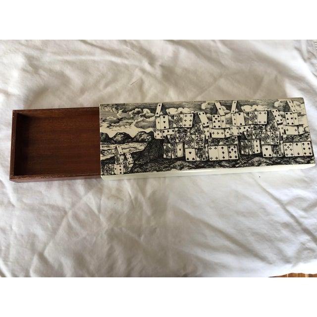 """Metal 1970s Vintage Fornasetti """"Città DI Carte"""" Cigarette Box For Sale - Image 7 of 8"""