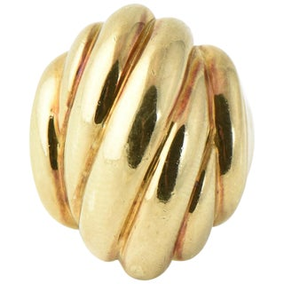 20th Century Contemporary Stylized Three-Dimensional Ribbed Yellow 14k Gold Ring For Sale