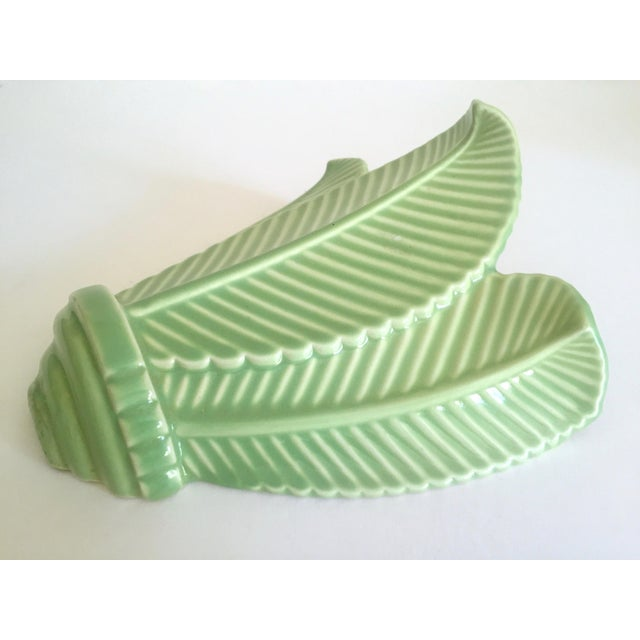 Mid 20th Century Vintage Mid Century Art Deco Pistachio Mint Green Art Pottery Palm Leaf Ceramic Wall Pocket Vase For Sale - Image 5 of 13