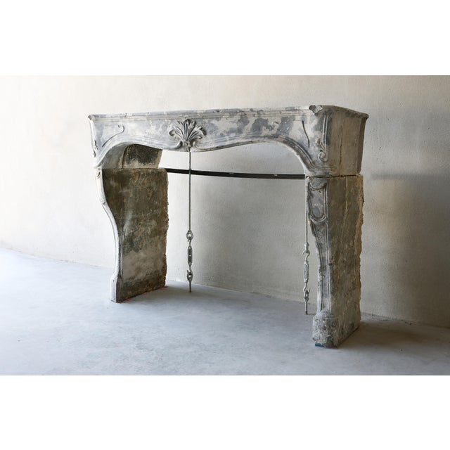 Very special marble stone fireplace by the structure and pattern from Burgundy ! This mantelpiece dates back to the 19th...