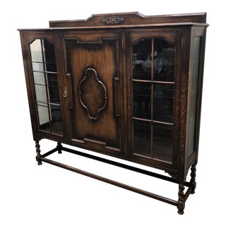 1920s Vintage English Oak Bookcase For Sale
