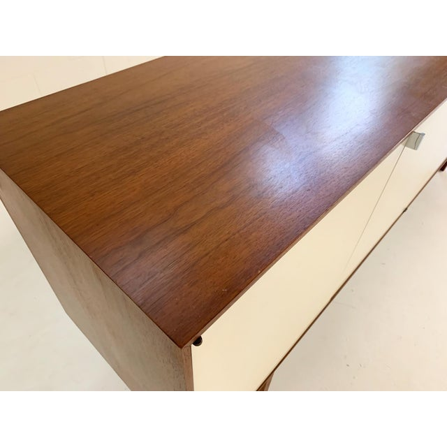 Metal Florence Knoll Model 541 Cabinet For Sale - Image 7 of 10