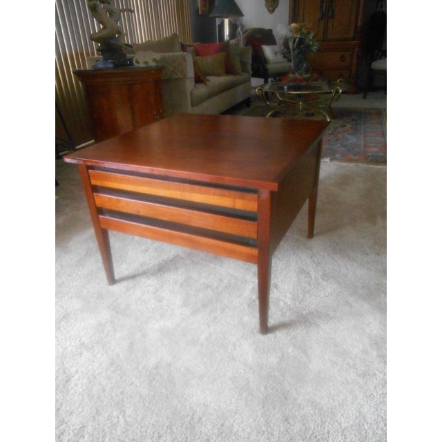 Vintage Mid-Century Modern Dillingham Esprit Walnut Side / End Table For Sale - Image 6 of 6