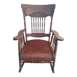 1930s Vintage Classic Americana Rocking Chair For Sale