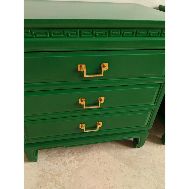 1940s Vintage Green Gloss Chinoiserie Nightstands-a Pair For Sale In Phoenix - Image 6 of 8