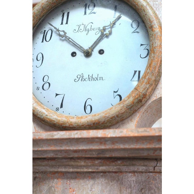 18th Century Swedish Neoclassical Working Long Case Clock in Original Paint For Sale - Image 4 of 8