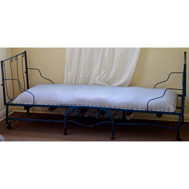 19th Century Antique French Scrolling Iron Daybed - Image 2 of 10