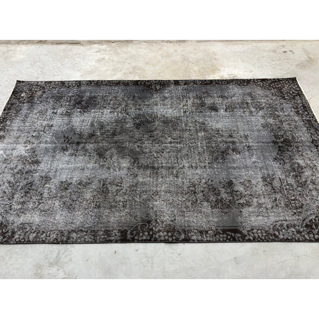 Turkish Vintage Wool Dark Gray Rug - 5′5″ × 9′3″ For Sale - Image 6 of 11