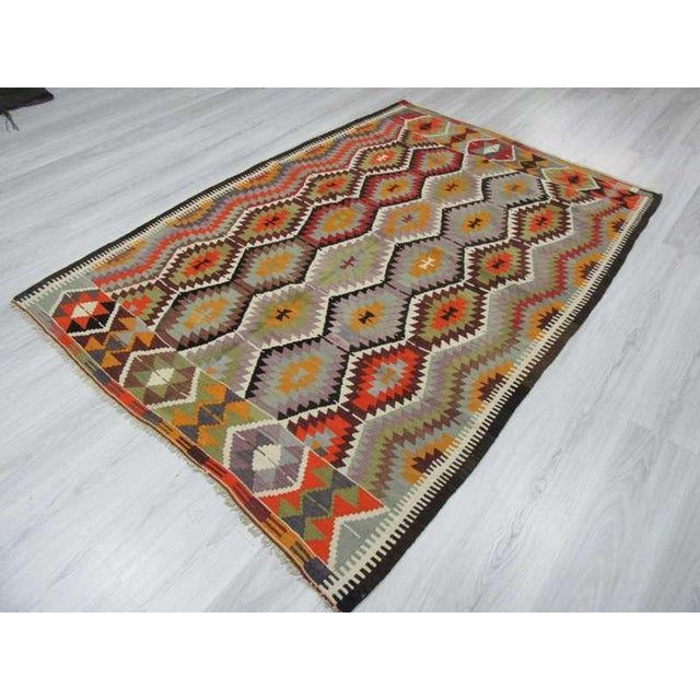 "Handwoven Vintage Decorative Colourful Turkish Kilim Area Rug - 5'4"" x 7'5"" For Sale - Image 5 of 6"