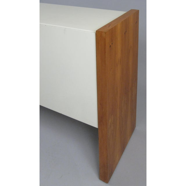 1960s Vintage Milo Baughman for Thayer Coggin Walnut & Lacquered Cabinet For Sale - Image 5 of 10