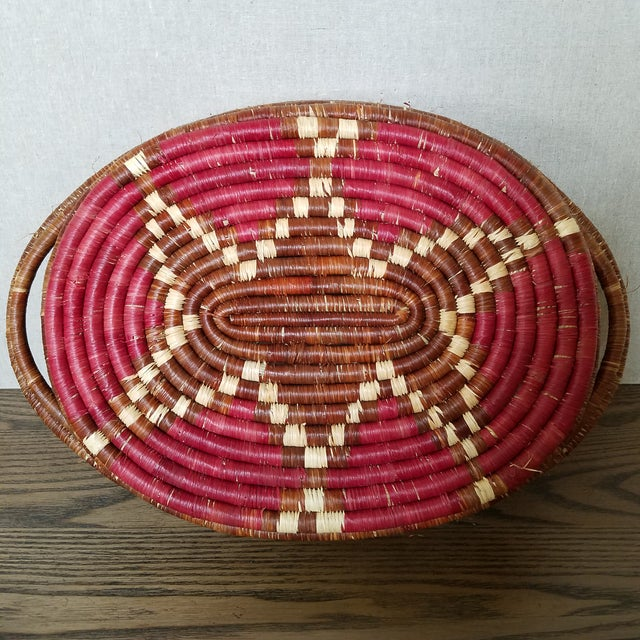 Late 20th Century Vintage African Coiled Basket Tray For Sale - Image 5 of 6