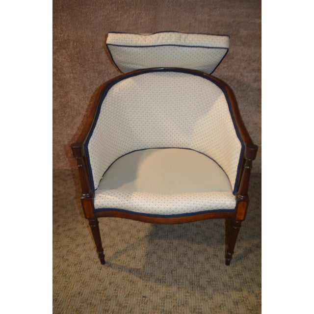 Vintage Sheraton Style Inlaid Mahogany Barrel Back Accent Chair For Sale - Image 12 of 13