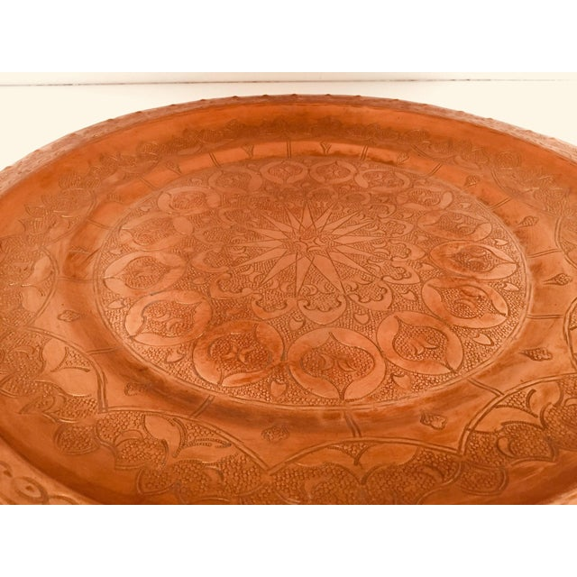 Moroccan Polished Round Metal Copper Tray For Sale In Los Angeles - Image 6 of 12
