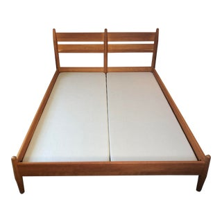Mid Century Modern Room & Board Queen Walnut Grove Bedframe For Sale