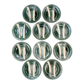 C. 1890 French Creil Et Montereau Barbotine Majolica Porcelain Fluted Asparagus Plates - Set of 10 For Sale