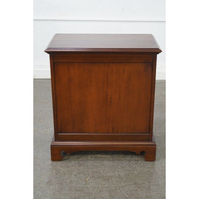 Link Taylor Heirloom Solid Mahogany Chests Nightstands - A Pair For Sale - Image 4 of 10