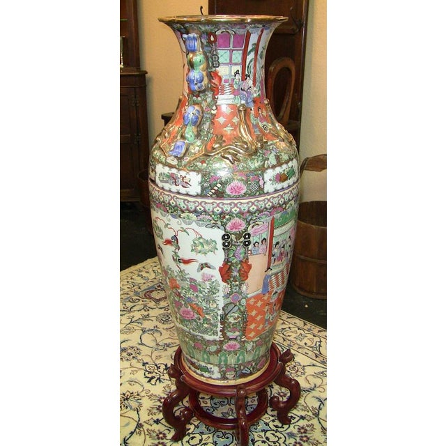 Ceramic 20c Chinese Cantonese Rose Medallion Famille Rose Gilted Floor Vase For Sale - Image 7 of 12