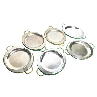 Vintage Nasco Mid-Century Aluminum Cavalier Plates With Green Wicker Holders - Set of 6 For Sale