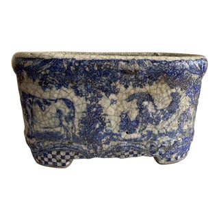 Rustic Cottage Blur & White Pottery Planter For Sale