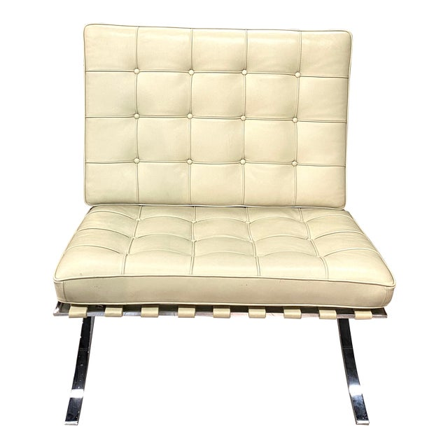 Vintage Leather Barcelona Lounge Chair Beige Chrome Made in Italy Beautiful For Sale
