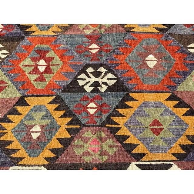 "Vintage Turkish Kilim Rug-4'8'x7'9"" For Sale - Image 4 of 8"