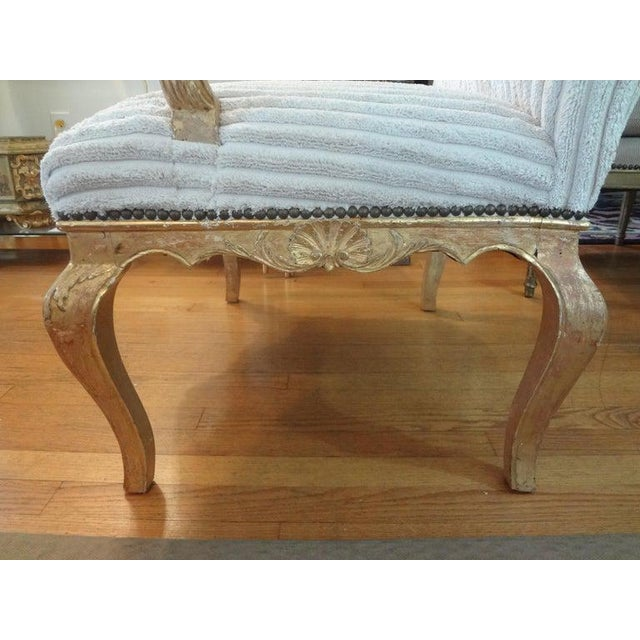 Gold 18th Century French Régence Giltwood Chair For Sale - Image 8 of 13