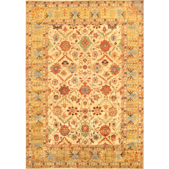 Mahal Hand-Knotted Wool Ivory Area Rug - 8' x 10' For Sale