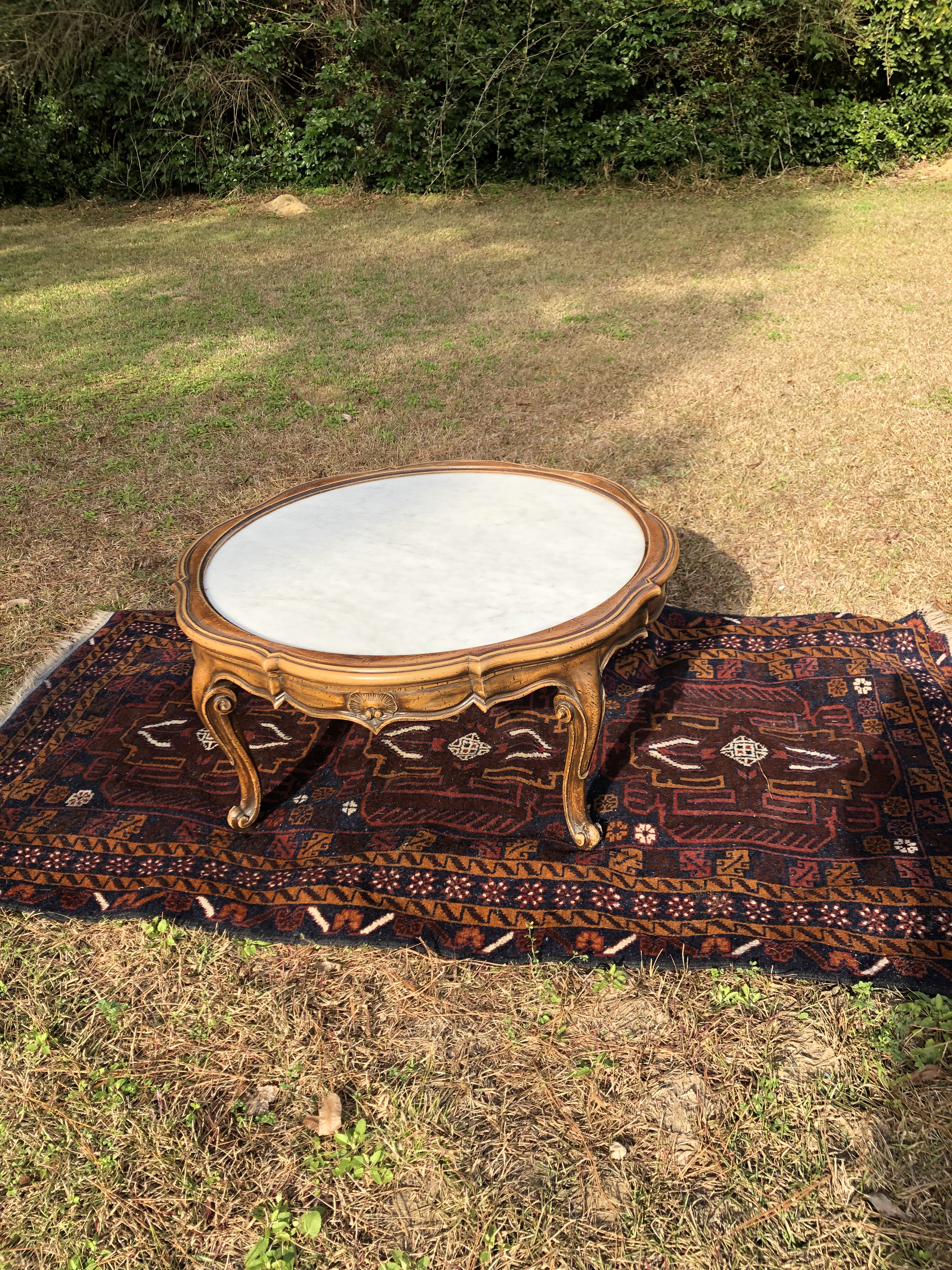 1960s Hollywood Regency Round Marble Coffee Table For Sale   Image 4 Of 12