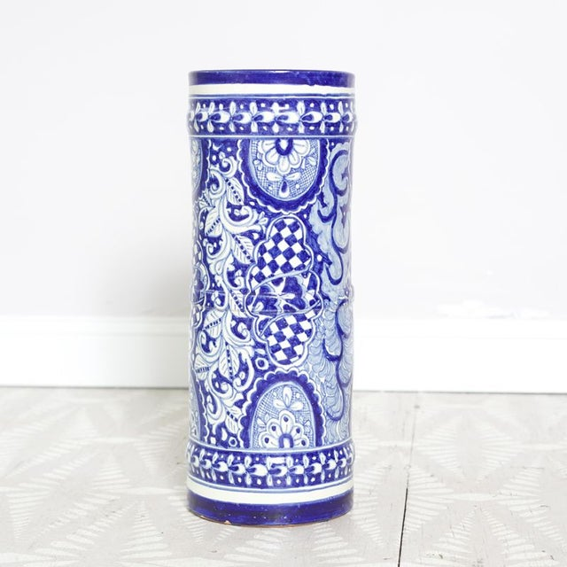Blue and White Umbrella Stand - Image 2 of 4