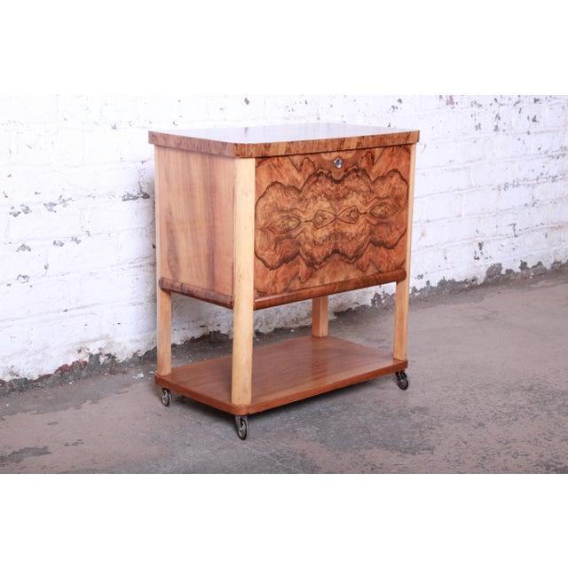 1930s Art Deco Burl Wood Rolling Bar Cart For Sale - Image 4 of 13