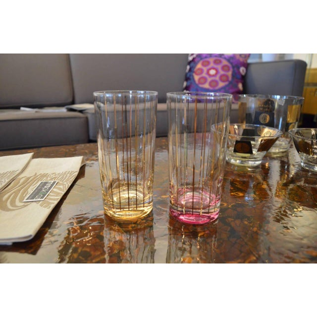 Set of Eight Mid-Century Gold Stripe Tom Collins Glasses with Brass Caddy - Image 5 of 6