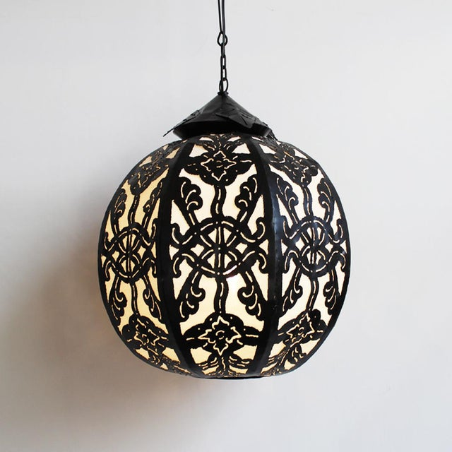 Medium Metal Work Globe Lantern - Image 2 of 3