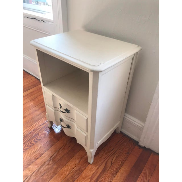 Traditional 1960s Vintage French Inspired Distressed Nightstand For Sale - Image 3 of 6