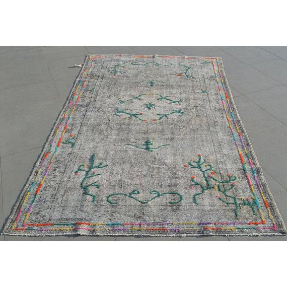 Tribal Decorative Vintage Area Carpet - 5′7″ × 9′1″ For Sale In Austin - Image 6 of 6