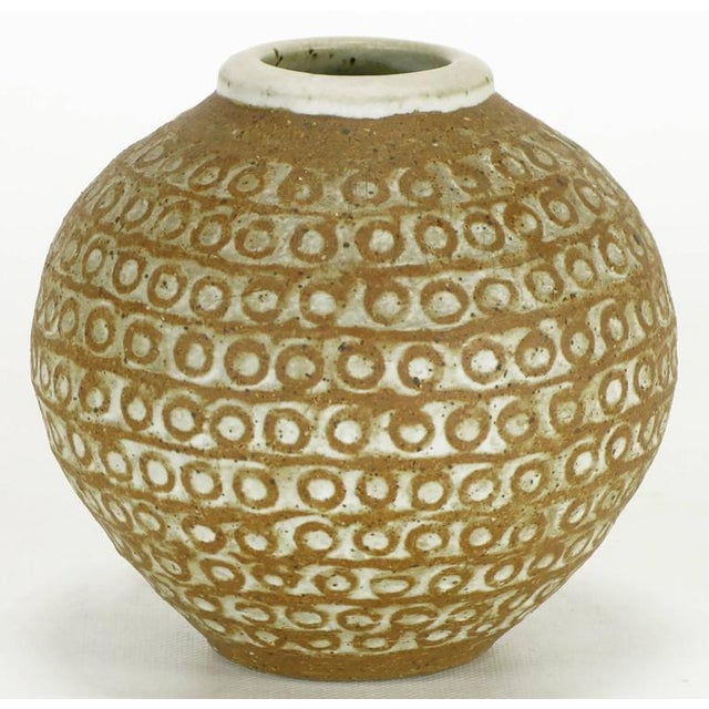 Relief Patterned Earthen Pottery Vase by Tomiya Matsuda - Image 3 of 8