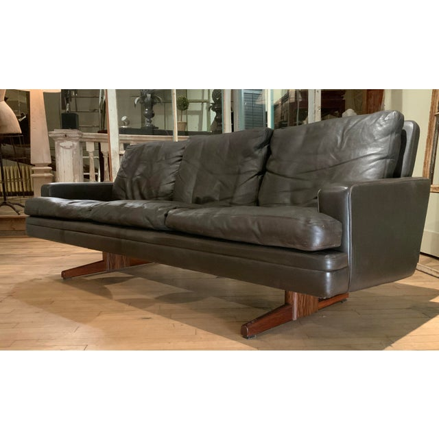 Mid-Century Modern 1960s Danish Leather and Rosewood Sofa by Fredrik Kayser For Sale - Image 3 of 10