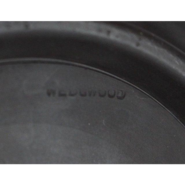 "Black 1940s Neoclassical Greek Figurative Wedgwood Jasperware Black ""Sacrifice Bowl"" For Sale - Image 8 of 10"