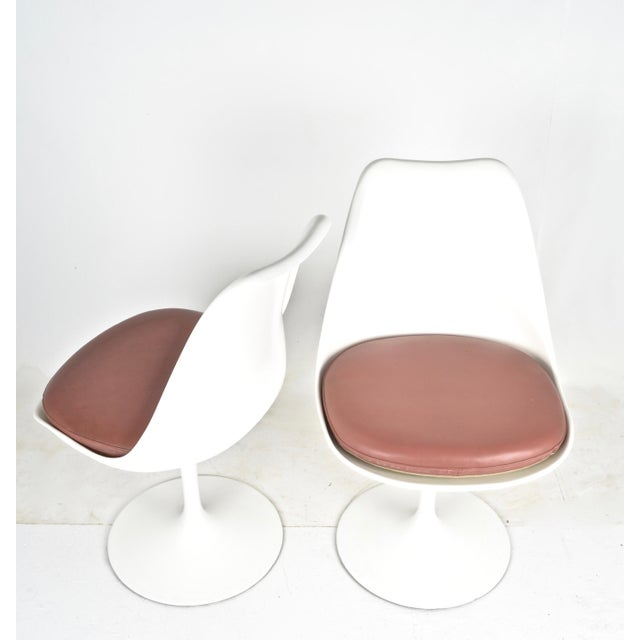 Mid-Century Modern Vintage Saarinen Swivel Chairs - Set of 4 For Sale - Image 3 of 8