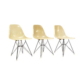 Mid Century Modern Signed Charles Eames for Herman Miller Eiffel Shell Chair For Sale