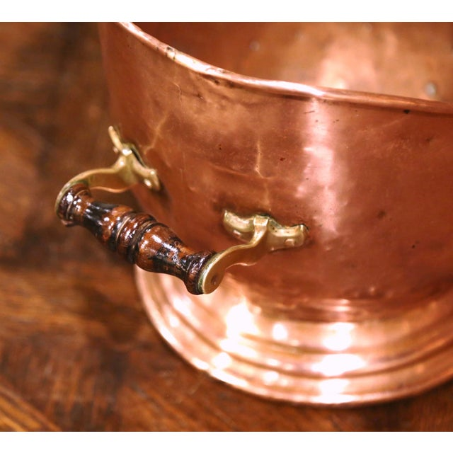 Metal 19th Century English Victorian Copper and Brass Coal Bucket For Sale - Image 7 of 10