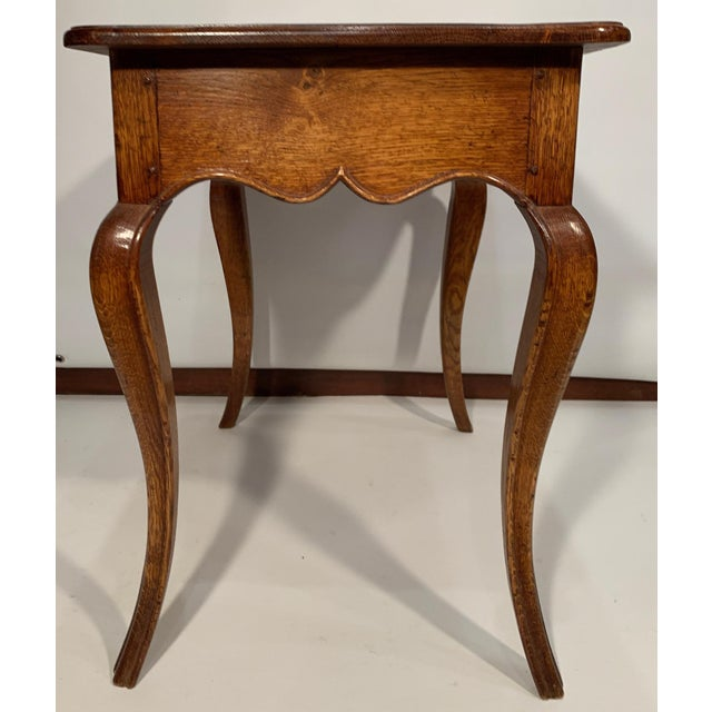 1980s Traditional Oak Side Table For Sale In Boston - Image 6 of 7