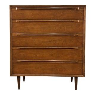 Mid-Century Danish Modern Walnut 5-Drawer Dresser / Chest For Sale