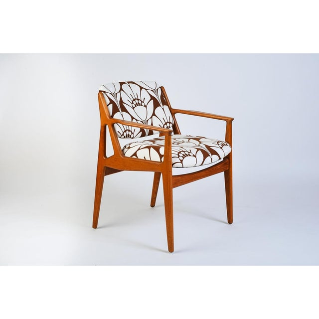 Mid-Century Modern Teak Side Chair With Tipping Back For Sale - Image 4 of 5