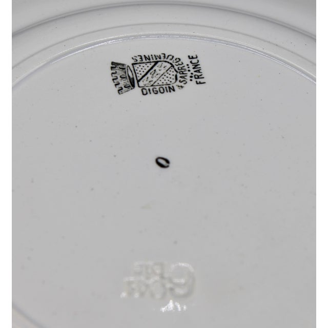 """Off-white Early 20th Century French Plate """"Au Violon"""" For Sale - Image 8 of 10"""