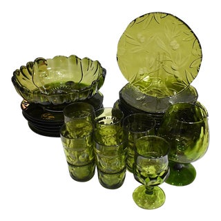 Early 20th Century Murano Green Art Glass Italian Service Dinnerware Plate Set - Set of 28 For Sale