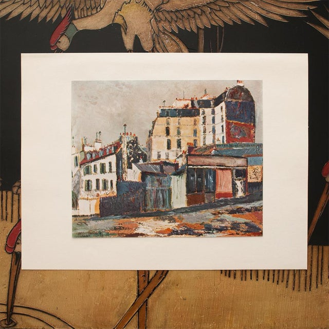 """French 1950s Maurice Utrillo, """"Rue Ravignan"""" of Paris First Edition Period Lithograph For Sale - Image 3 of 8"""