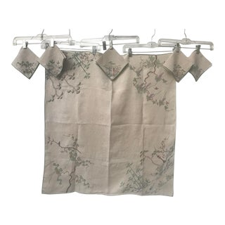 Vintage Asian Garden Themed Chinoiserie Embroidered Linen Tablecloth & Napkins For Sale