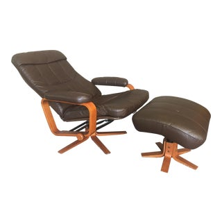 Mid Century Modern Skippers Mobler Style Recliner and Ottoman For Sale