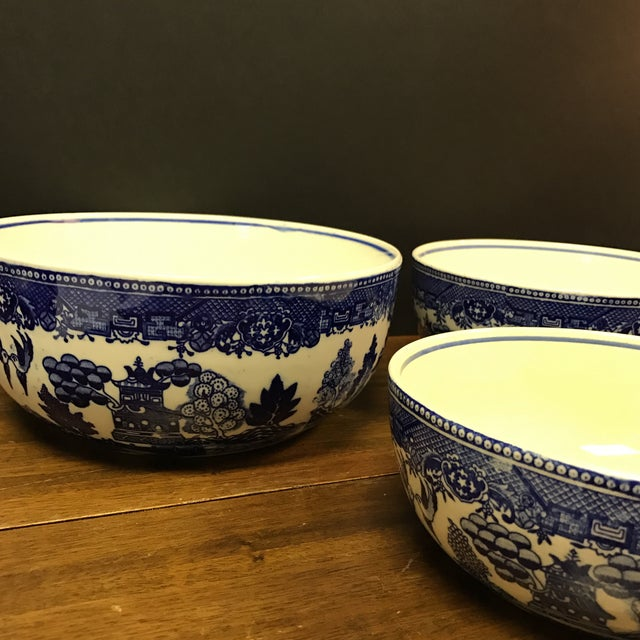 Asian Blue Willow Nesting Bowls - Set of 4 For Sale - Image 3 of 6
