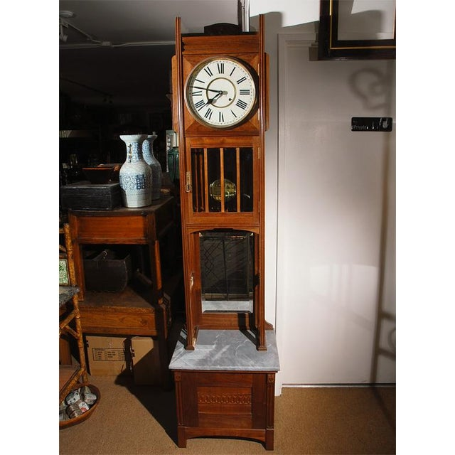 This very nice American Grandfather clock would be well suited for that special place in an arts and crafts setting as...